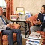 Artículo SUR: Daniel Pérez se pone el traje de 'ministro de exteriores'